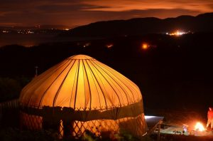 mulroy yurt by night