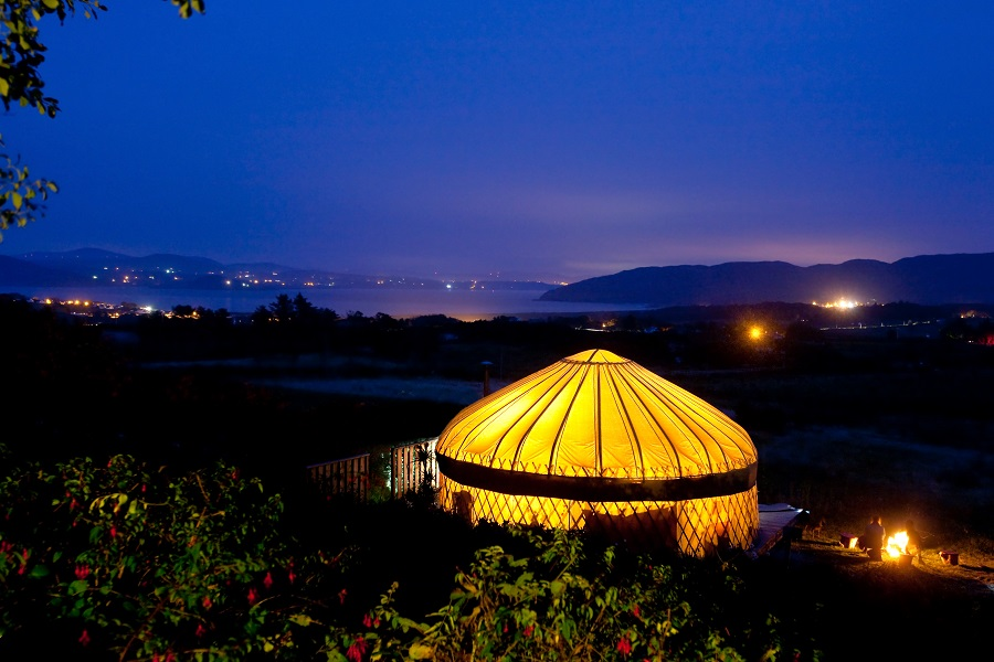 night time shot of mulroy yurt